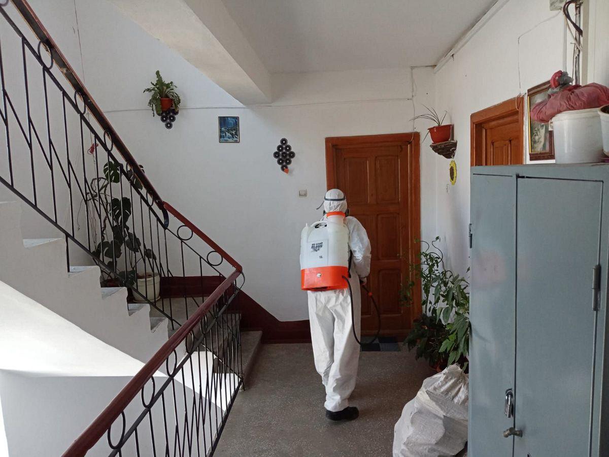 Dezinfecție în scările de bloc din Alba Iulia